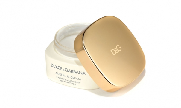 Smoother and full of live skin with Dolce & Gabana aurealux cream