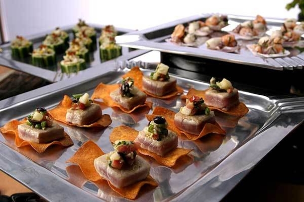 What qualities make a caterer stand class apart from rest caterers?