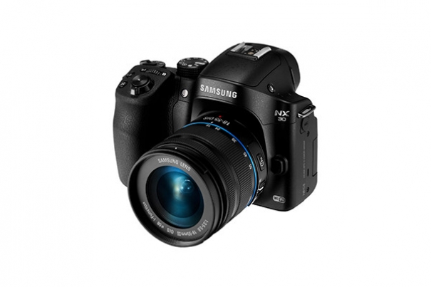 CES 2014: Samsung Launches the NX30 Camera Alongside First Premium 'S' Lens